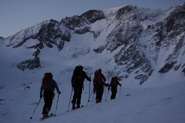 Das heutige Ziel vor Augen: Der Mont Vélan, 3731m