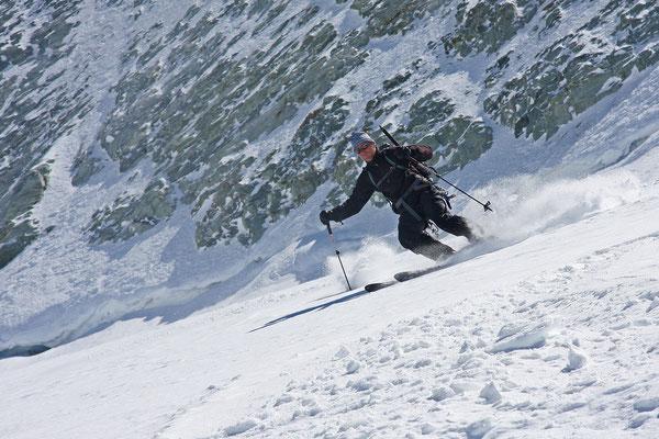 Abfahrt vom Mont Blanc de Cheilon, ein Riesenspaß bei bestem Schnee!