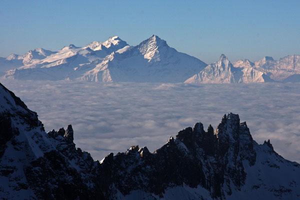 Blick nach Süden über das Tal von Aosta: Gran Paradiso