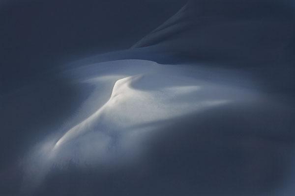 Triebschnee im Leehang.