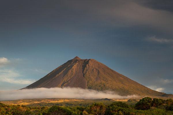 Der höchste Gipfel Portugals: Montanha do Pico, 2351m