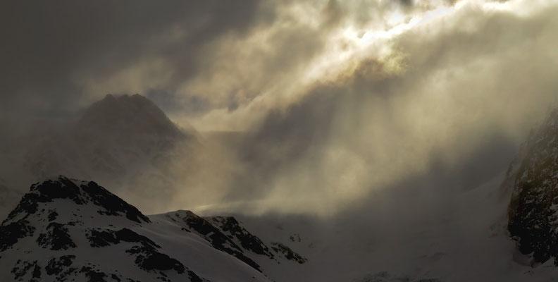 Vorhänge aus Wolken. Blick in Richtung Zufallspitzen.