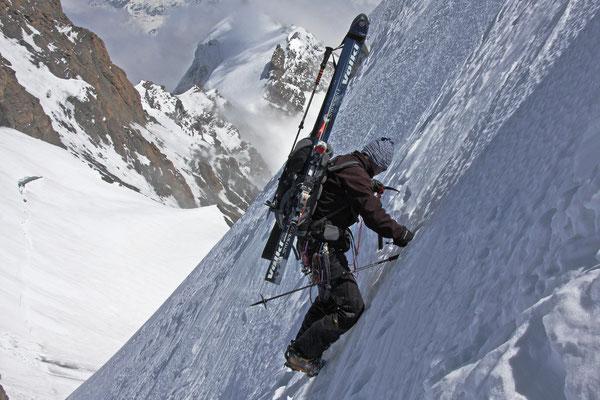 Hier könnte man auch auf Skiern abfahren - wir trauen uns aber nicht.