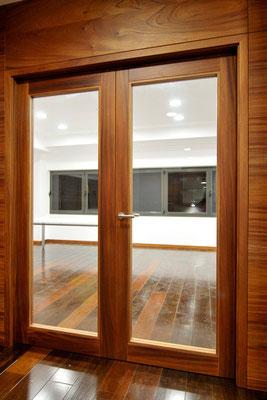 Porta interior vidriera de dues fulles