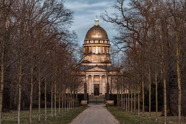 Februar - Mausoleum