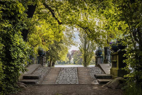 Juli - Wolfsbrücke im Wörlitzer Park