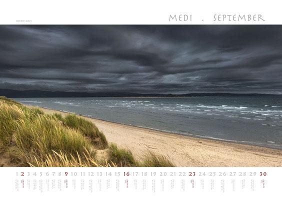 Calendar Wales 2018, Aberdyfi Beach