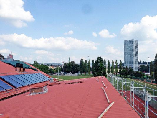 Hopf und Wirth Architekten ETH HTL SIA  Winterthur, Erweiterung Turnhallen Berufsbildungsschule Winterthur, Dacheindeckung Eternit, Solaranlage, Photovoltaik