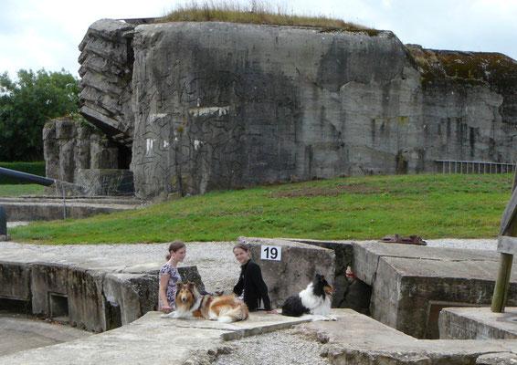 Die größte der alten Bunkeranlagen an den Landungsstränden, heute ein Freilichtmuseum