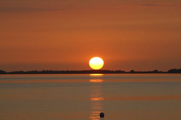 Sonnenuntergang über der Orther Bucht