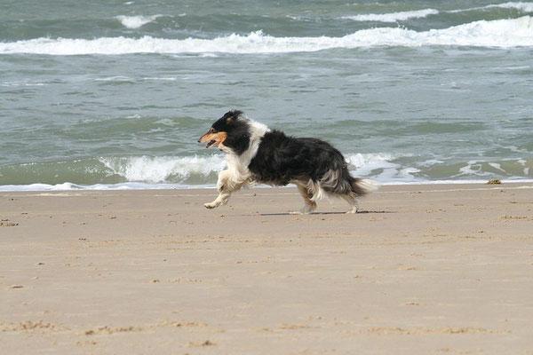 Klari mit ihren 11 Jahren lustig unterwegs am Strand <3