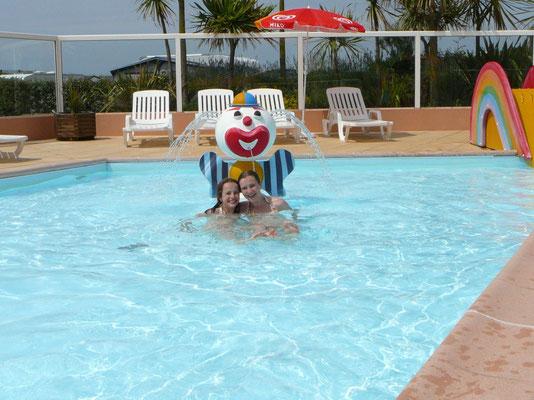 Spaß im Nichtschwimmer-Kinderbecken  ;-)