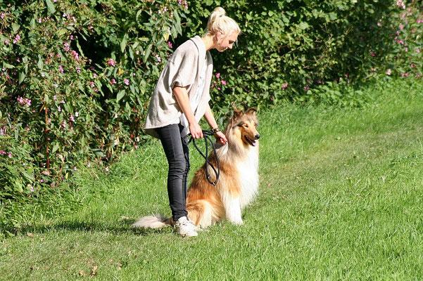 Endlich Freilauf :) Nina mit ihrem Lennox