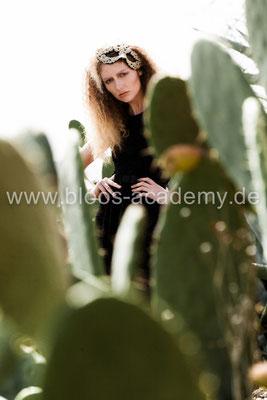 MUA: Katharina M. Styling: Nicole Dannecker Model: Diana Sch. c/o Java Models Foto: Markus Thiel