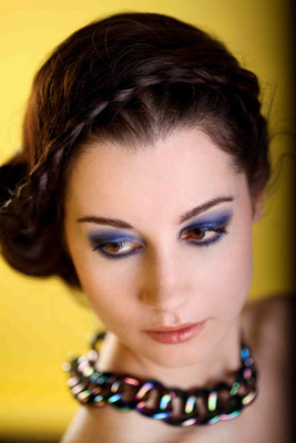 HUM: Jana W. Foto: bloos Model: Manuela Dinelli Bildbearbeitung: Bernhard Brus