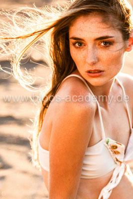 MUA: Timea F. Styling: Nicole Dannecker Model: Diana Sch. c/o Java Models Foto: Markus Thiel