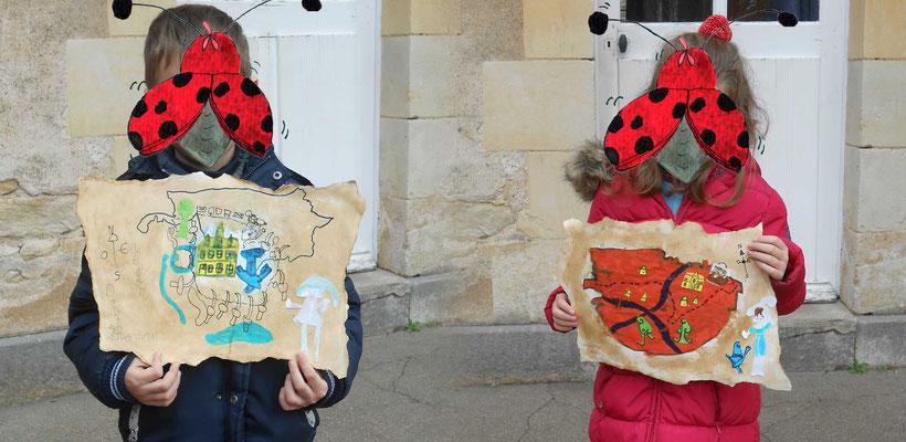 Cartes aux trésors de lutins réalisée à l'école de Donzy avec l'illustratrice Cloé Perrotin en 2016