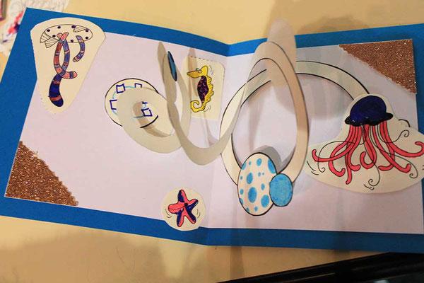 Exemple 7 de carte pop-up spirale réalisée à l'atelier de l'illustratrice Cloé Perrotin lors d'un Salon du Livre en 2018