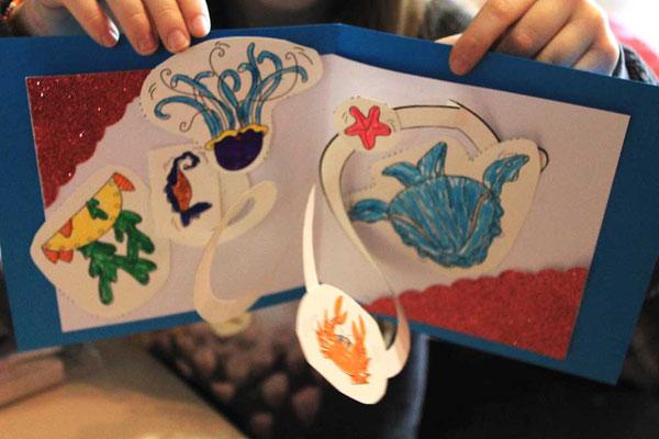 Exemple 1 de carte Pop-Up spirale réalisée par un enfant avec l'illustratrice Cloé Perrotin en atelier en 2018
