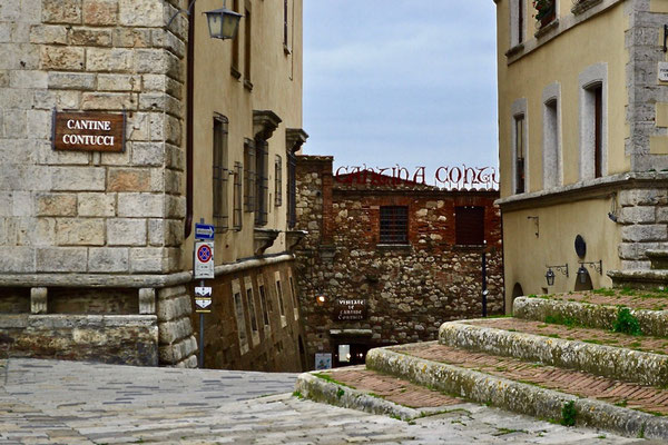 Cantine Contucci, piazza Grande, Montepulciano, Val di Chiana, Siena, Toscana, Tuscany