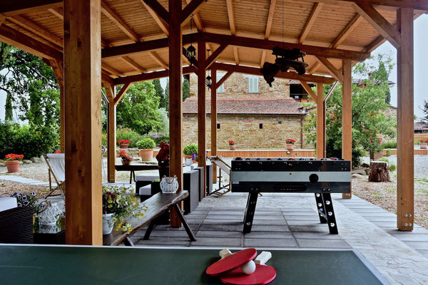 ping pong, foosball, villa, Casafredda, Arezzo, Toscana, Tuscany, Agriturismo, casa vacanza
