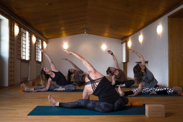 Yoga Retreat in den Bergen - Täglich Yoga für Ihr Wohlbefinden