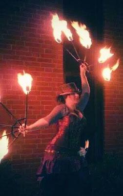 """""""Steampunk""""-Feuershow"""