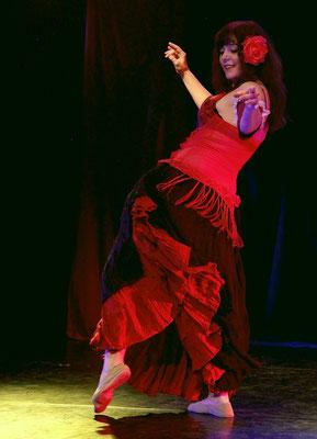 Leela in der Tanztheatershow Bellydance Bizarre