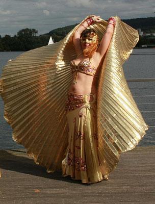 goldene Isis-Wings