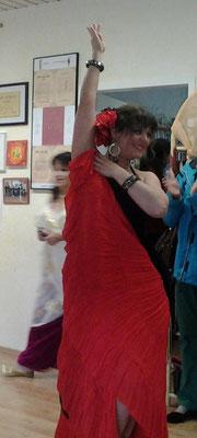 Leela tanzt spanisch-arabisch