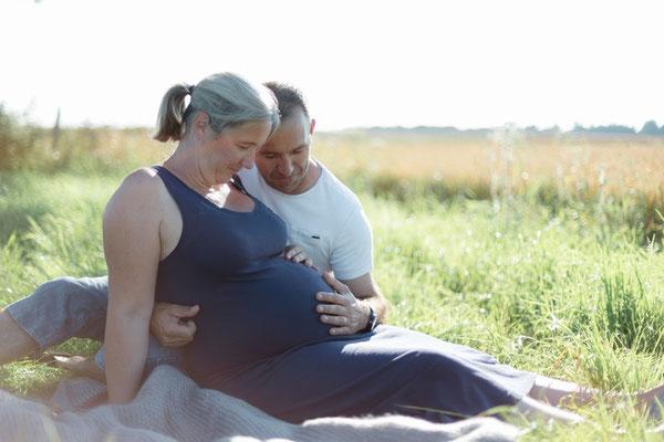 photos famille,Normandie,Maternité, Grossesse,couple,photographe famille,photos naturelles exterieures