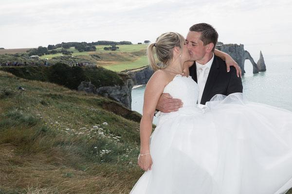 mariage, photographe mariage,Normandie,portrait couple, photos de couple,trash the dress, Etretat