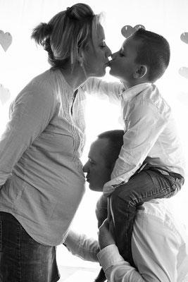 photographe en Normandie, photographe maternité, grossesse,photo famille,photos maternité en couple,lumière naturelle