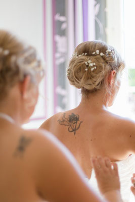 détail mariage,robe mariée,photographe,reportage mariage,mariage Normandie,album photo mariage, préparatifs mariée