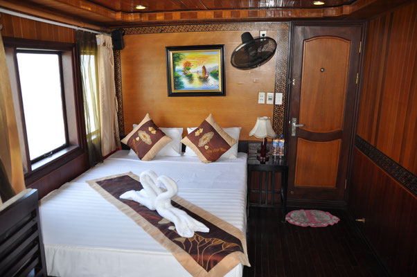 Halong Bay Vega Travel Boat Cabine