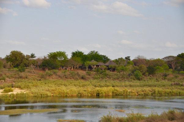 Crocodile Bridge Safari Lodge