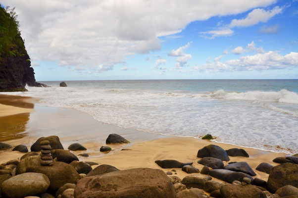Hanakai'ai Beach