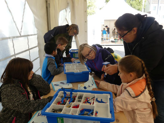 In der letzten Gruppe durfte mit Lego Education gebaut werden.