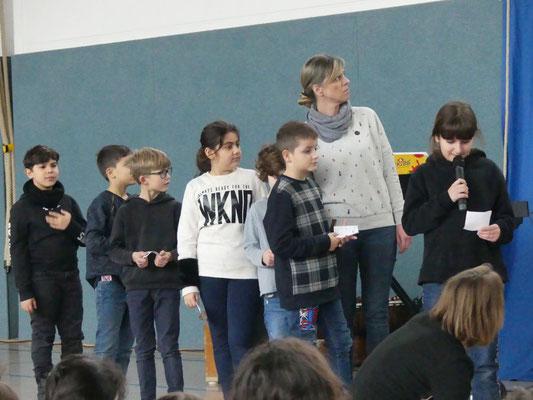 Die Adler und Bunten haben ein englisches Stück vorgetragen.