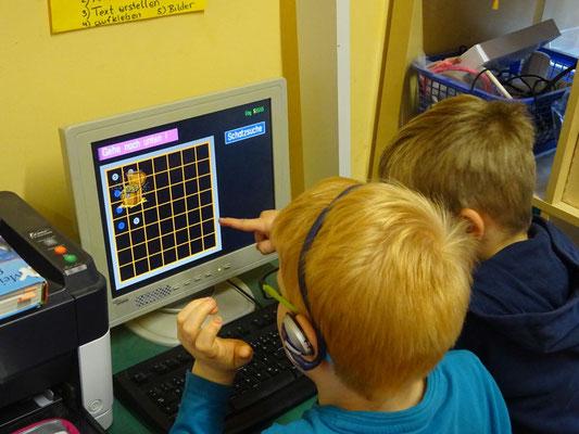 Alleine oder zu zweit arbeiten die Kinder mit  dem Budenbergprogramm.
