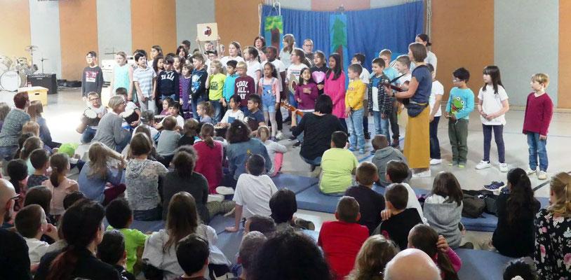 Dann gab es ein Gruffalo-Lied von den Bären, Adlern und Bunten gemeinsam gesungen.