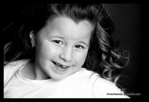 #kinderfeestje #oosterhout #kinderfeestjeoosterhout #meidenfeestje #vriendinnen #bff #fotoshoot #kidsparty #meidenfeestje #kinderfotograaf #feest #visagiste