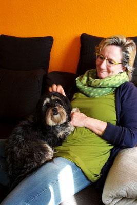Ute & ihre Momo (Tibet Terrier-Mix-Hündin)