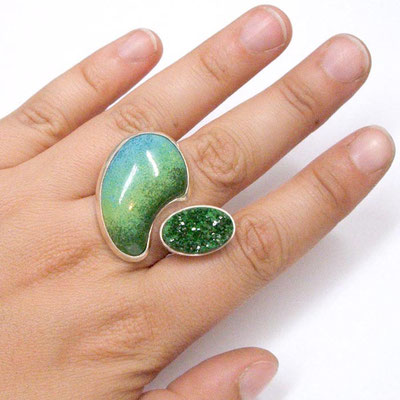 Green Ring. Sterling Silver, Enamel, Uvarovite.