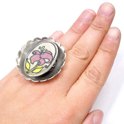 Lily from the Interchangeable Flower Ring.