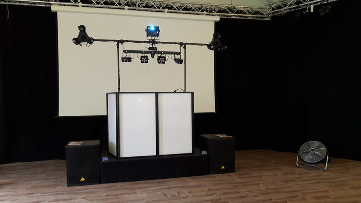 Festsaal Bad Homburg in Ober-Erlenbach (Lautsprecher vom Kunden)