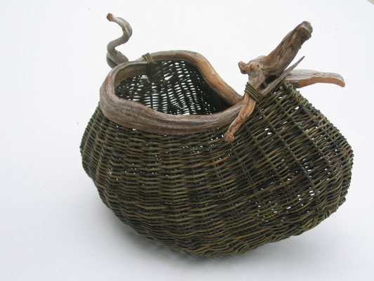 Pouch with curl of bog wood