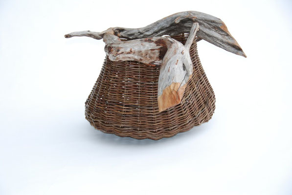 Large Pouch with Beak - 64x52x49cm