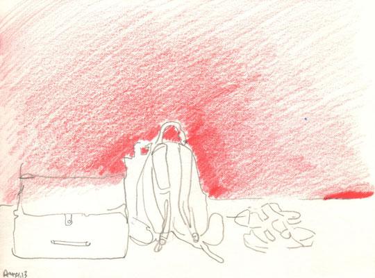 Rucksack vor Rot, 2013, Bleistift und Buntstift, 15 x 21 cm