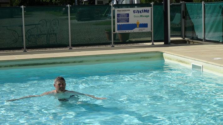 Philippe est enfin arrivé à rentrer dans l'eau